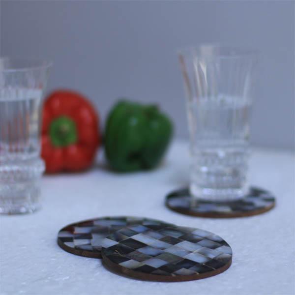 MOP Coaster-Black-n-White Round (Set of 4)