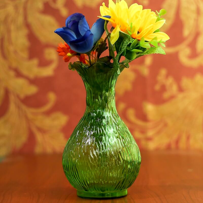 Lush Luster Ribbed Flower Vase