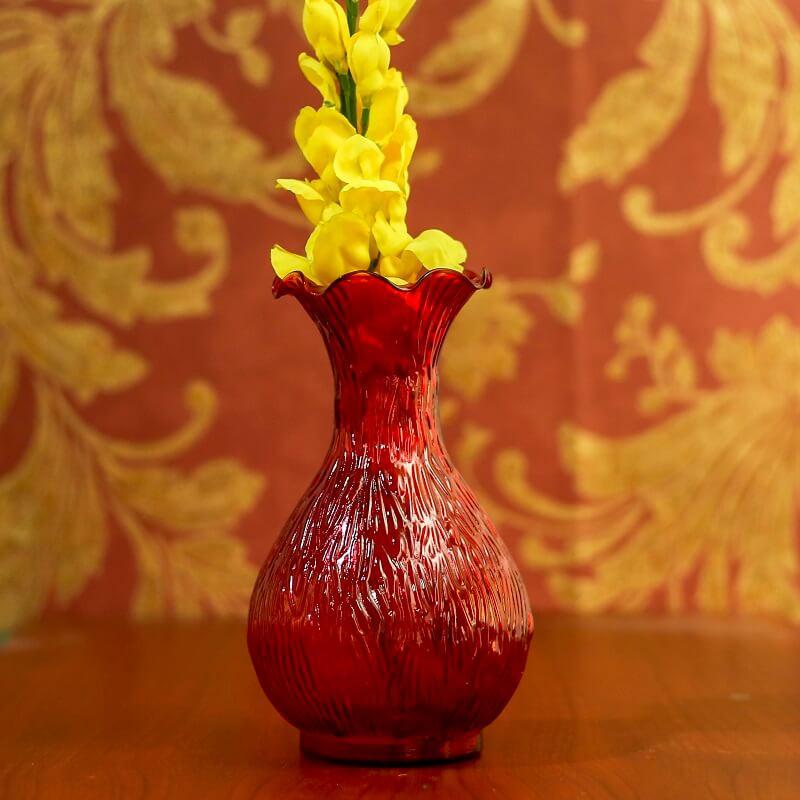 Scarlet Luster Ribbed Flower Vase