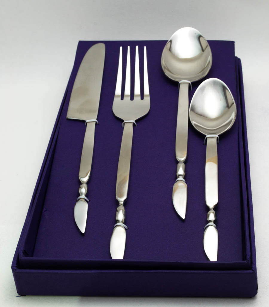 Classic Wing-end Cutlery Set (16 pcs)