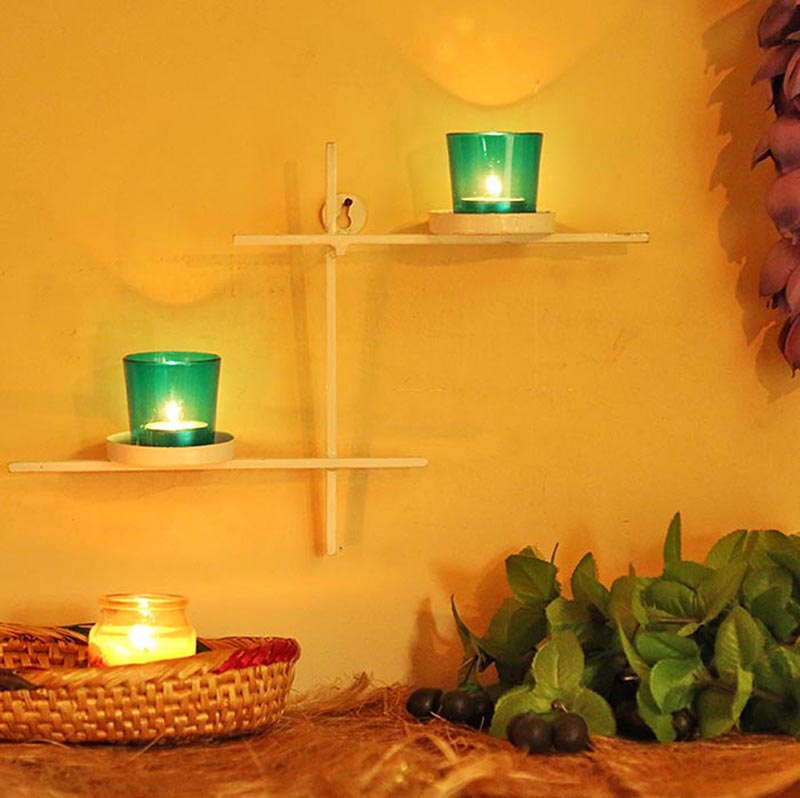 White Scorching Ladder with Pair of Votive Green