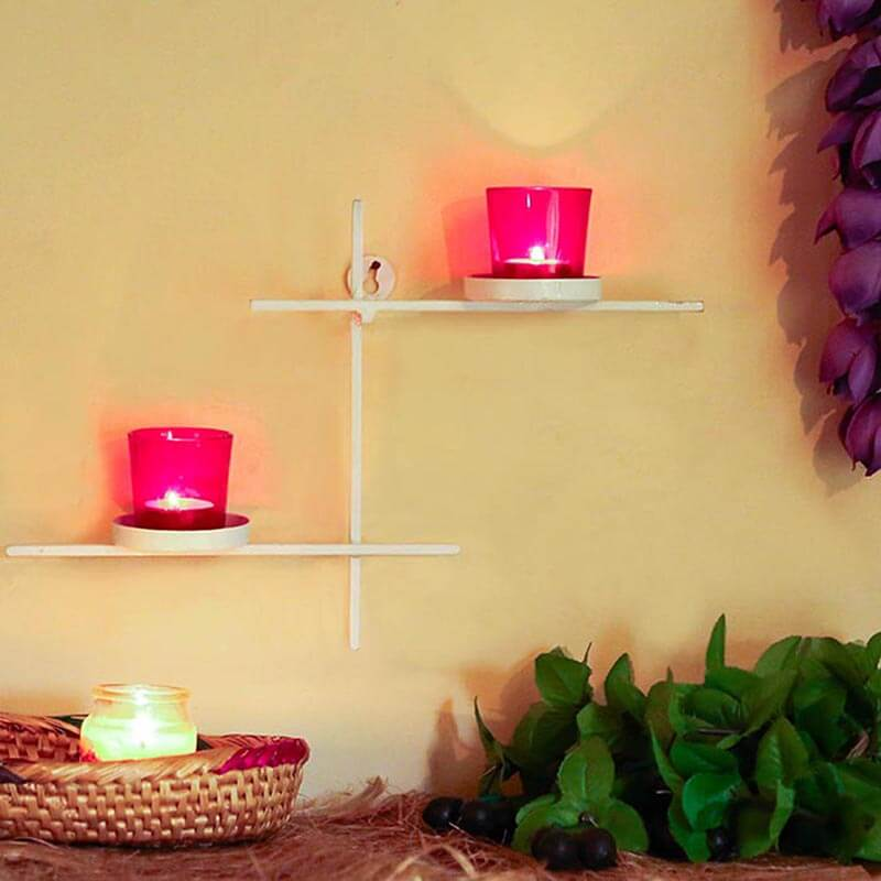 White Scorching Ladder With Pair Of Votive Red
