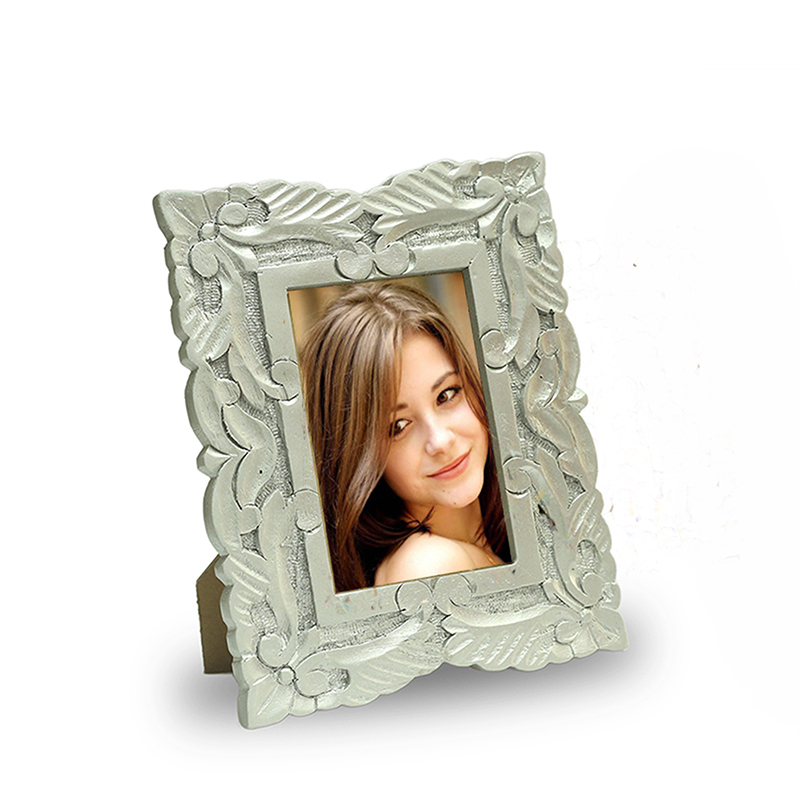 Wooden Carved Flower Photoframe, Silver