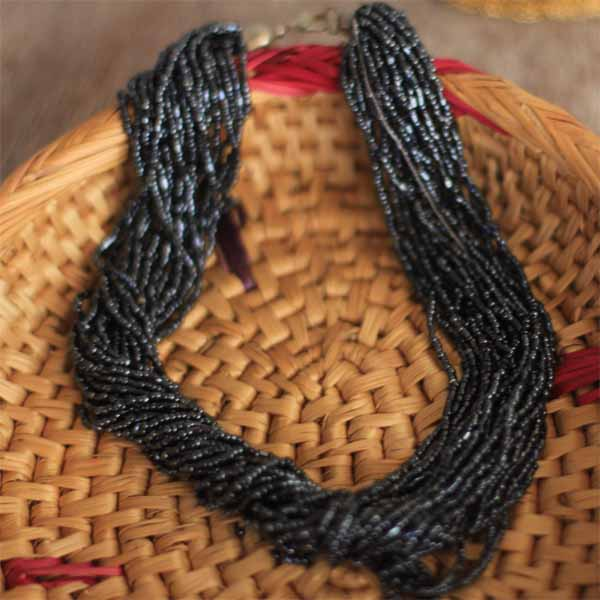 Dangling Luster Black Glass Seed Beads Necklet