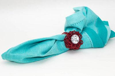 Scarlet Knitted Bead Flower (4 pcs)