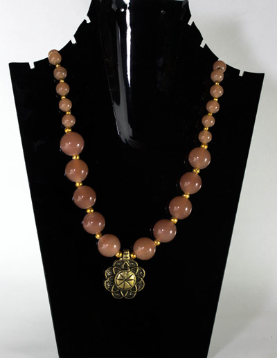 Peach Glass stone with Regal Flower Pendant Necklet