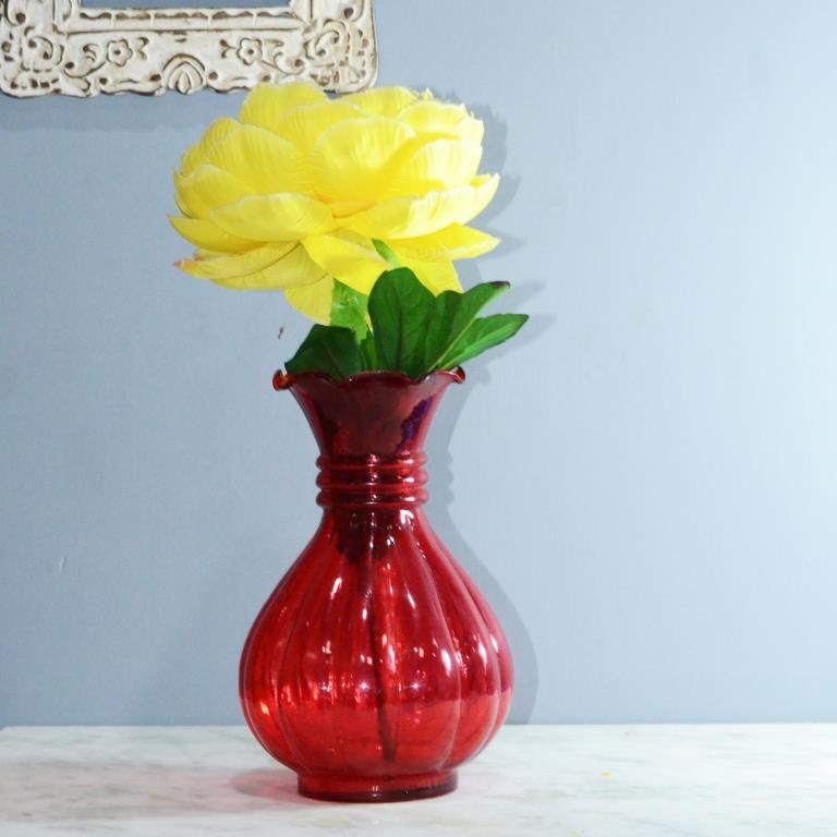 Scarlet Luster Pitcher Flower Vase