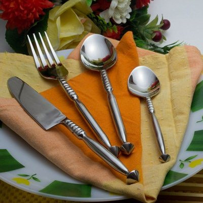 Premium Stainless Steel - Elegant Flatware 16 Pieces Thick Stem-Spinning Top Cutlery Set