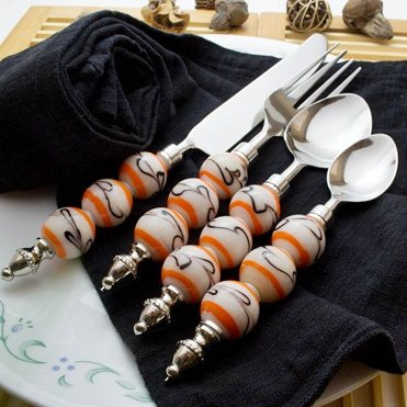 Clear White- Black Climber Cutlery set (16 pcs)