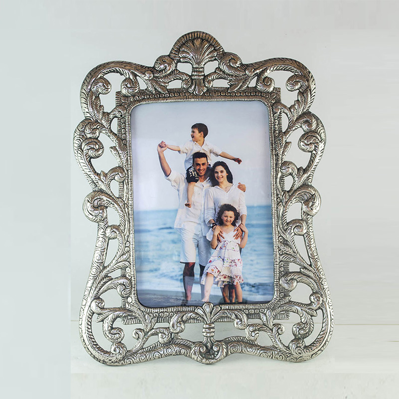 Antique Floral Vine Photoframe