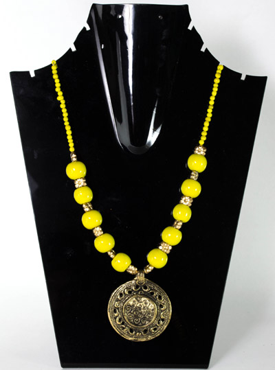 Aureolin Yellow with Antique Chamber Seal Pendant Necklet